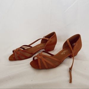 Very Fine dance shoes !